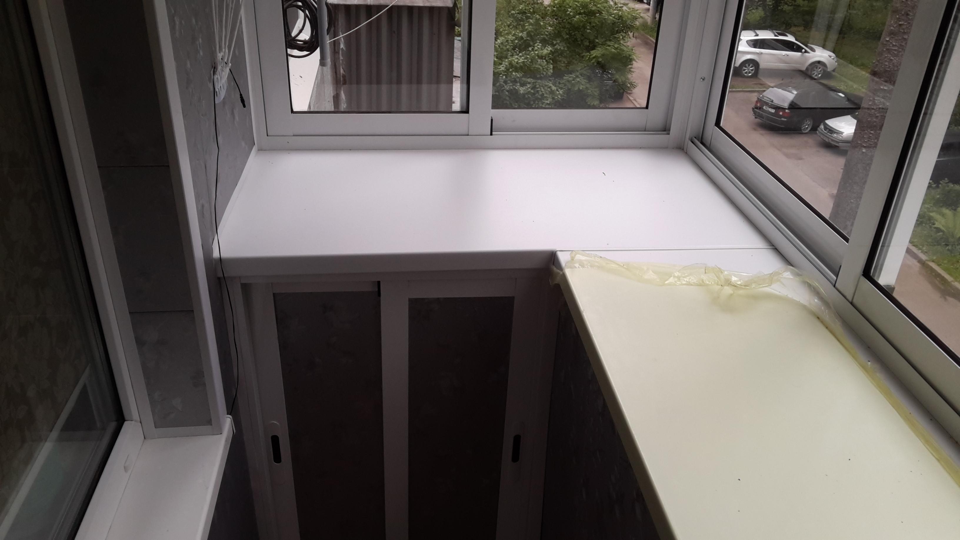 Мебель для лоджии: фото мебели и встренных шкафов для балкон.
